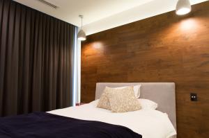 Bathroom Renovations Perth - Renovation Company - VIP Bathrooms - Modern Tiling