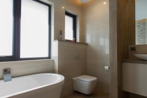 Small Bathroom Renovations Perth - Renovation Company - VIP Bathrooms - Contemporary Toilet